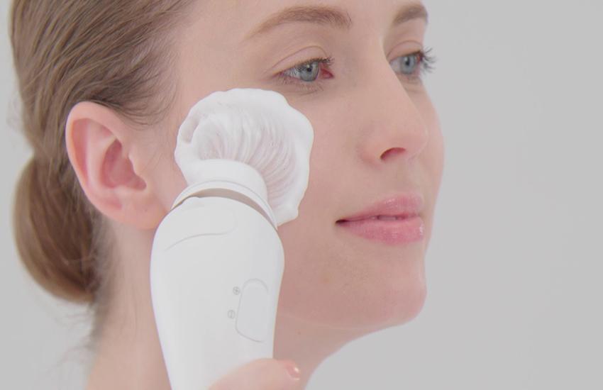 برس شستشوی صورت یا فیس براش (Face brush) چیست ؟